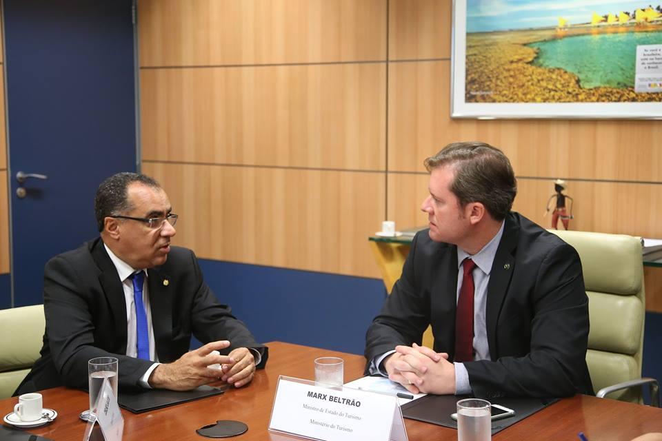 Deputado federal Celso Jacob participa de reunião com ministro para fomentar o turismo na região