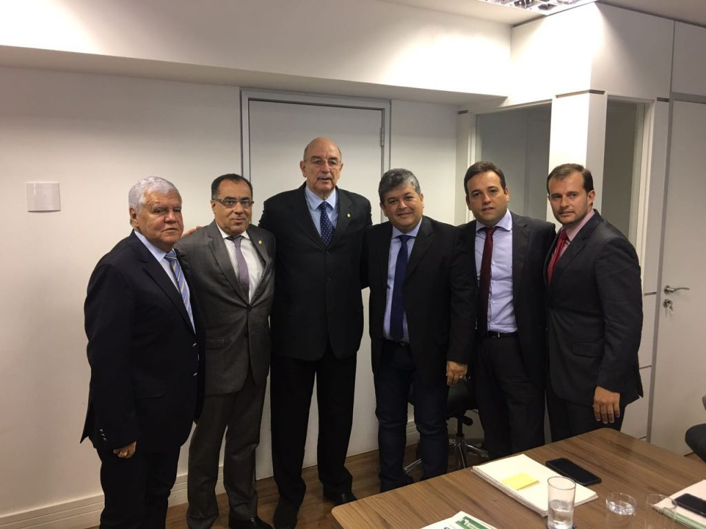 Desenvolvimento e esporte são temas de reunião de ministros com o deputado federal Celso Jacob