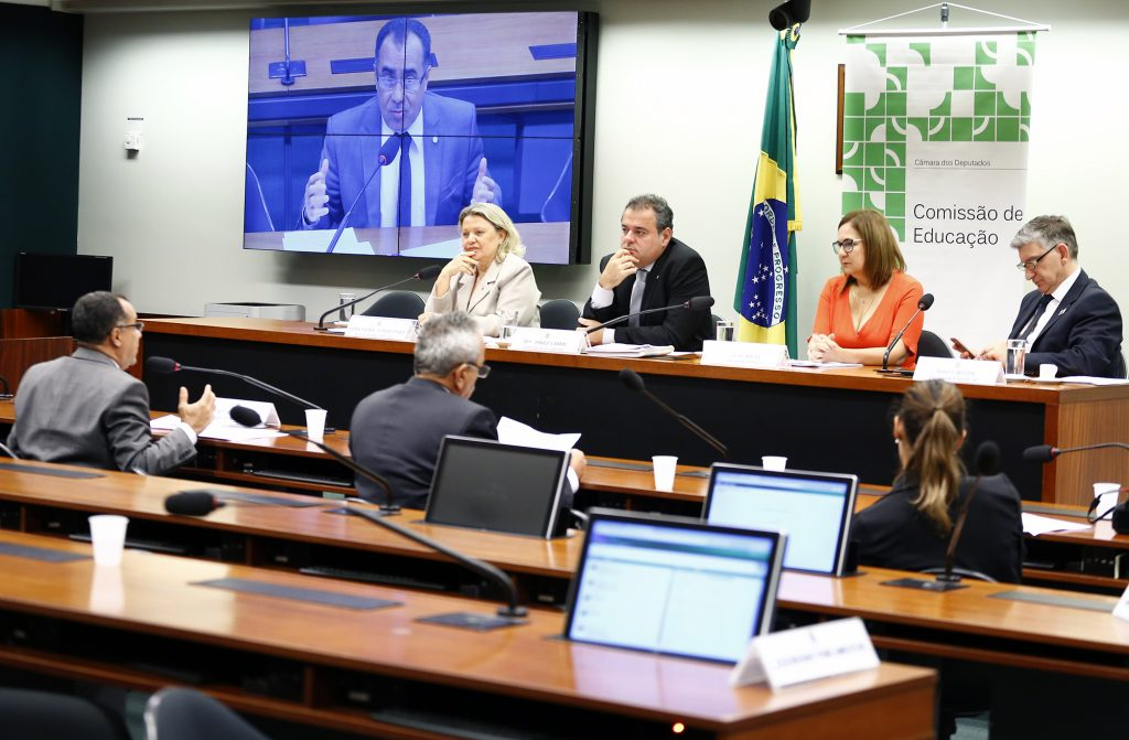 Deputado Celso Jacob é relator de projeto de lei que prevê auxílio financeiro ao transporte de universitários