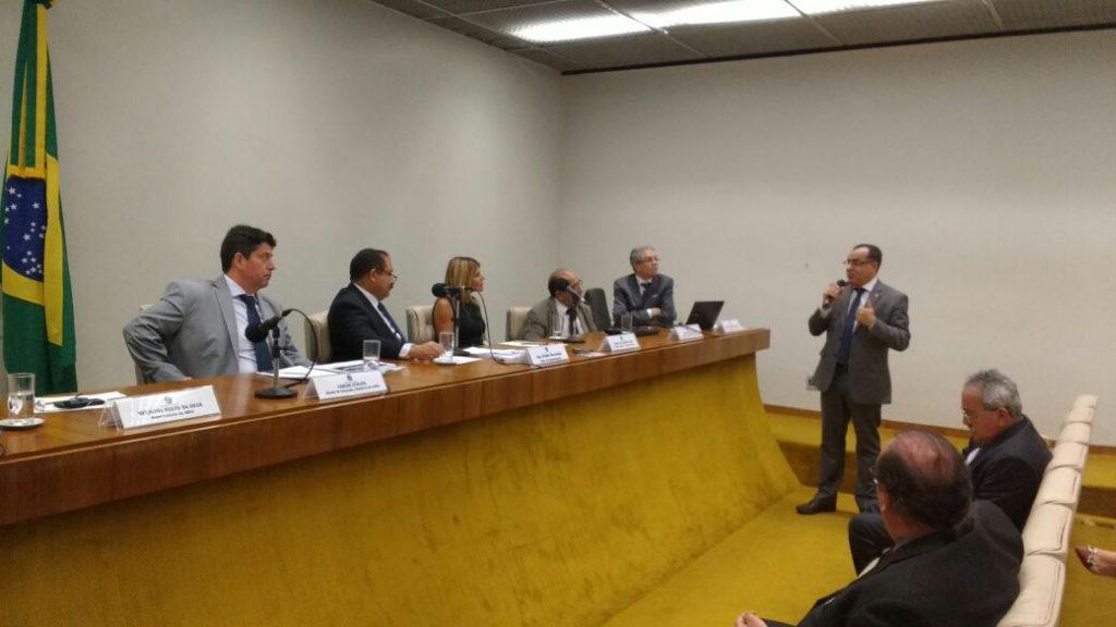 Deputado Celso Jacob participa de debate sobre a expansão da oferta de  cursos superiores
